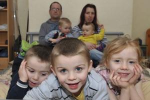 Μητέρα εννέα παιδιών ζητάει ένα μεγαλύτερο σπίτι