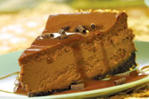 Cheesecake σοκολάτας με επικάλυψη πραλίνα καραμέλα