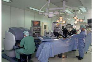 Μεταμόσχευση ήπατος αποκλειστικά από ρομπότ