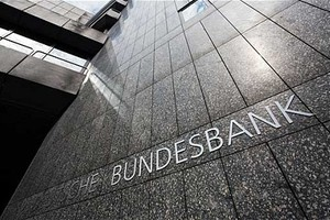Αξιωματούχος της Bundesbank προειδοποιεί τις τράπεζες του Λονδίνου