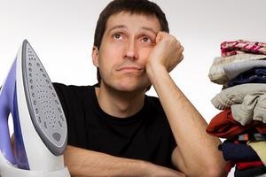 Οι άντρες δε βοηθούν στις δουλειές του σπιτιού