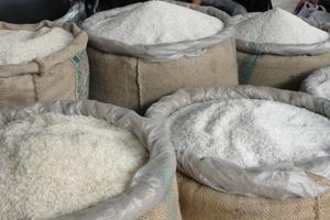 Δωρεάν διανομή ρυζιού σε άπορους στα Τρίκαλα