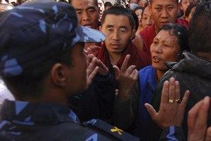 Εκδόθηκαν εντάλματα σύλληψης εναντίον κινέζων αξιωματούχων στη Μαδρίτη