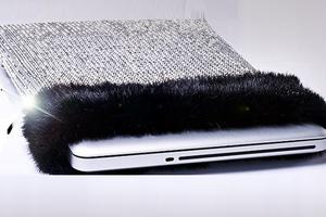 Η πιο ακριβή θήκη για laptop του κόσμου αξίας 6.9 εκατ. λιρών