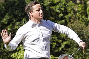 Το' ριξε στο μπάντμιντον ο Βρετανός πρωθυπουργός