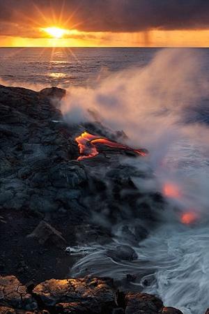 ifaisteia6 ΔΕΙΤΕ: Απίστευτες φωτογραφίες από το πιο ενεργό ηφαίστειο του κόσμου!