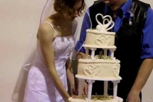 4ab385d6afa7 Όλα του γάμου δύσκολα… – Newsbeast