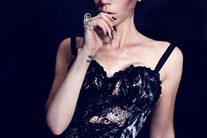 Σε «φρικιό» μεταμορφώθηκε η Victoria Beckham