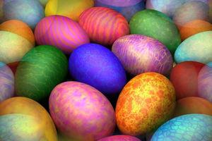 Πώς να βγάλετε από τα ρούχα τον λεκέ από τη βαφή των αυγών