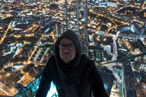 Σκαρφαλώνοντας στο υψηλότερο κτήριο της Ευρώπης