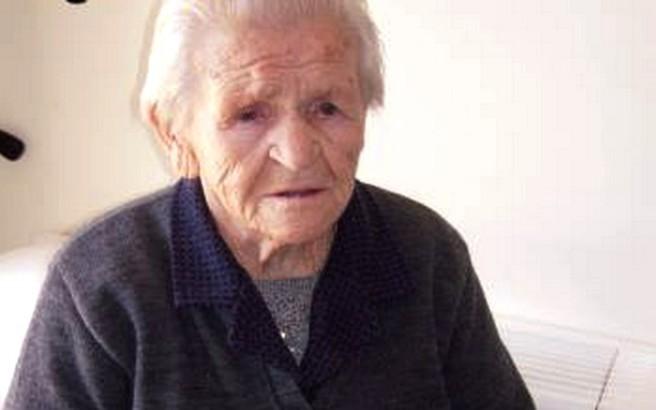 Γιαγιά βαπτίστηκε στα 82 της χρόνια