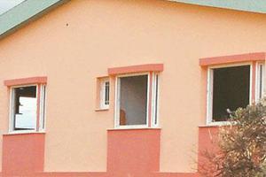Κλέφτες ξηλώνουν πόρτες και παράθυρα από σπίτια