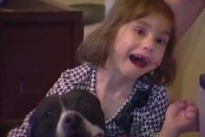 Κλέφτες επέστρεψαν σκύλο στην τυφλή ιδιοκτήτριά του