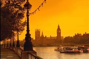 «Κολλημένες» οι τιμές ακινήτων στη Βρετανία μέχρι το 2014