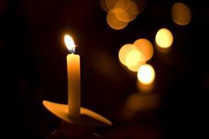 Οκτάχρονος έπαιρνε κεριά από την εκκλησία για να διαβάσει