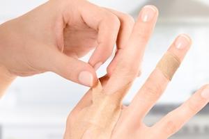 Μην αφήσετε τραυματισμούς να δημιουργήσουν ουλές στην επιδερμίδα σας