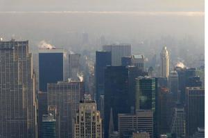Η οικονομική ανάκαμψη αύξησε τις εκπομπές ρύπων