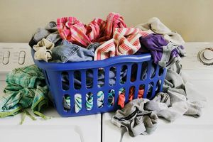 Μην απλώνετε την μπουγάδα στο σαλόνι