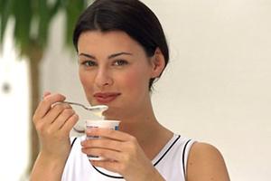«Σύμμαχος» στο αδυνάτισμα το γιαούρτι