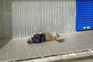 Στο στόχαστρο και οι άστεγοι