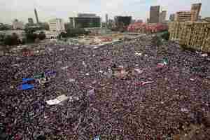 Διαδήλωση στην πλατεία Ταχρίρ κατά της στρατιωτικής εξουσίας