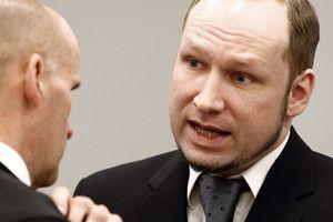 Τραγικό συμβάν στη δίκη του Μπράιβικ στη Νορβηγία