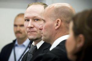 Ετοιμάζει δηλώσεις για την ετυμηγορία ο Μπρέιβικ