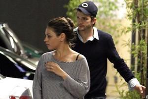 Ashton Kutcher και Mila Kunis είναι ζευγάρι!