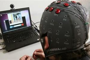 Παραπληγικός ελέγχει ρομπότ με τη σκέψη