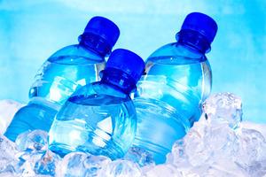 Χρήσιμα τα άδεια πλαστικά μπουκάλια