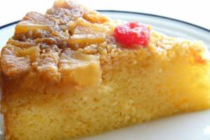 Κέικ καραμέλας με ανανά