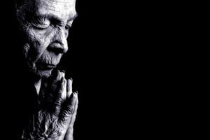 Πιστοί στο Θεό οι ηλικιωμένοι σε σχέση με τους νέους