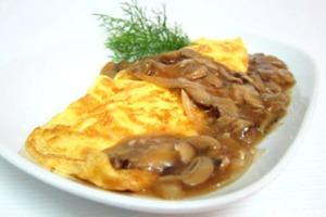 Ομελέτα με σάλτσα μανιταριών