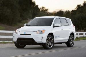 Στο Λος Άντζελες παρουσιάζεται το Toyota RAV4 EV
