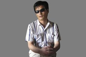 Τυφλός αντιφρονών κατηγορεί το Πεκίνο