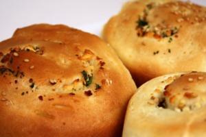 Ψωμάκια με μαϊντανό και φέτα