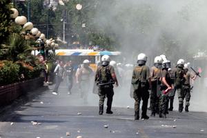 «Η Αθήνα περιμένει να εκραγεί το ηφαίστειο»