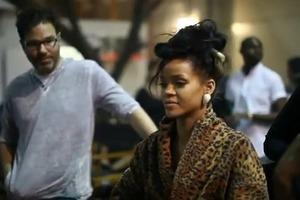 Στα γυρίσματα του νέου βίντεο κλιπ της Rihanna