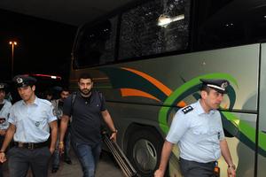 Επίθεση σε λεωφορεία με οπαδούς του Ολυμπιακού
