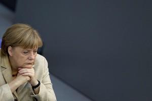 Ανησυχίες Μέρκελ για τις προτάσεις έκδοσης ευρωομολόγων