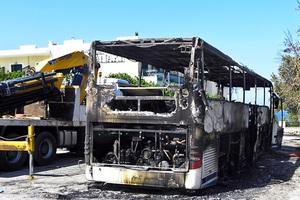 Βίντεο από το φλεγόμενο λεωφορείο του Ολυμπιακού