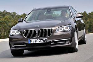 Η BMW ανανεώνει τη σειρά 7