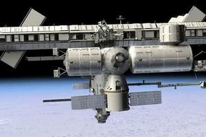 Το Dragon πέτυχε να συνδεθεί στον ISS