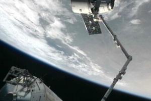 Το Dragon αποσυνδέθηκε από το Διεθνή Διαστημικό Σταθμό