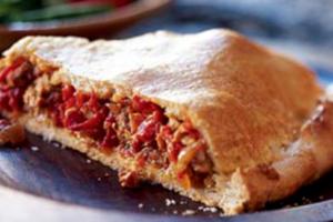 Πίτα με κόκκινες πιπεριές και φέτα