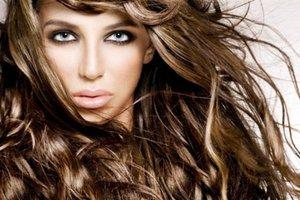 Σώστε τα μαλλιά σας από την ταλαιπωρία του καλοκαιριού