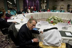 Συγκροτείται ομάδα στήριξης της συριακής αντιπολίτευσης