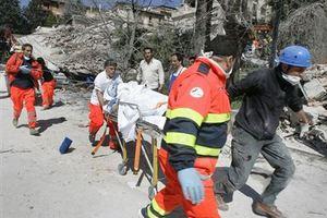 Κατέρρευσε κτίριο στο Μπάρι της Ιταλίας