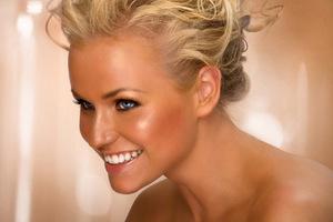 Δέκα tips για το τέλειο «bronze look»