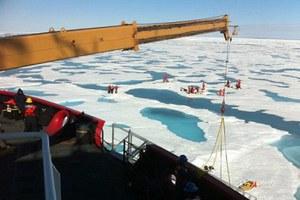 Ραγδαία συρρίκνωση των πάγων στην Αρκτική